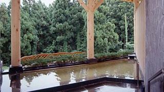 掛け流し温泉「地上25m満天の湯」「樹海の癒し露天風呂」を満喫♪スタンダード1泊2食付プラン